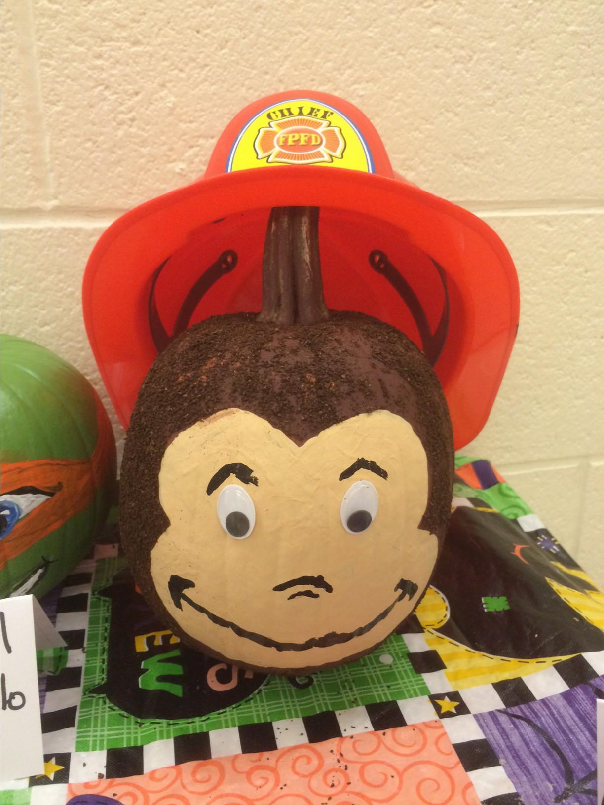 Roslyn Elementary School First Grade Students Create Pumpkin Book