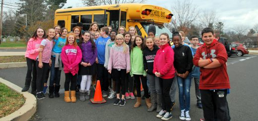 """Roslyn Elementary School Student Council Sponsored Its """"Stuff A Bus – Warmth for the Winter"""" Campaign"""
